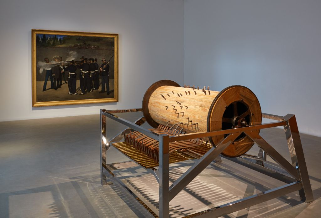 Édouard Manet: The Execution of Emperor Maximilian, 1868-69, oil on canvas, 252 x 302 cm, collection Kunsthalle Mannheim  José Antonio Vega Macotela: The Chisel and the Sinkhole, 2016/17, wood, metal, hammers, chisels, 165 × 224 × 246 cm, collection Pérez