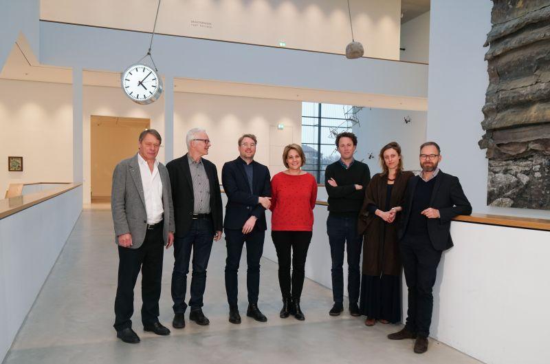 Die Jury des Hector Preises 2019 (v.l.n.r.): John Feldmann, Dr. Thomas Köllhofer, Dr. Sebastian Baden, Mirjam Varadinis, Krist Gruijthuijsen, Antonia Alampi und Dr. Andreas Beitin, Foto: Kunsthalle Mannheim/ Heiko Daniels